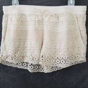 Solitaire Ivory Crochet Overlay Shorts